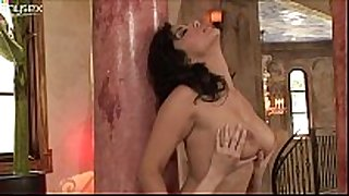Indian beauty sunny leone lets capri anderson w...
