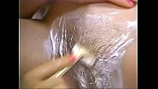Retro porn - sexy blonde shaving black brown hair